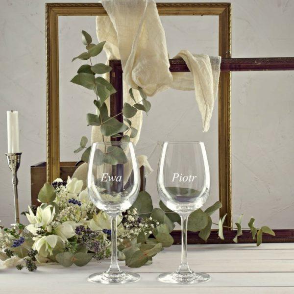 Kieliszki do wina białego z grawerem na prezent ślubny na rocznicę ślubu