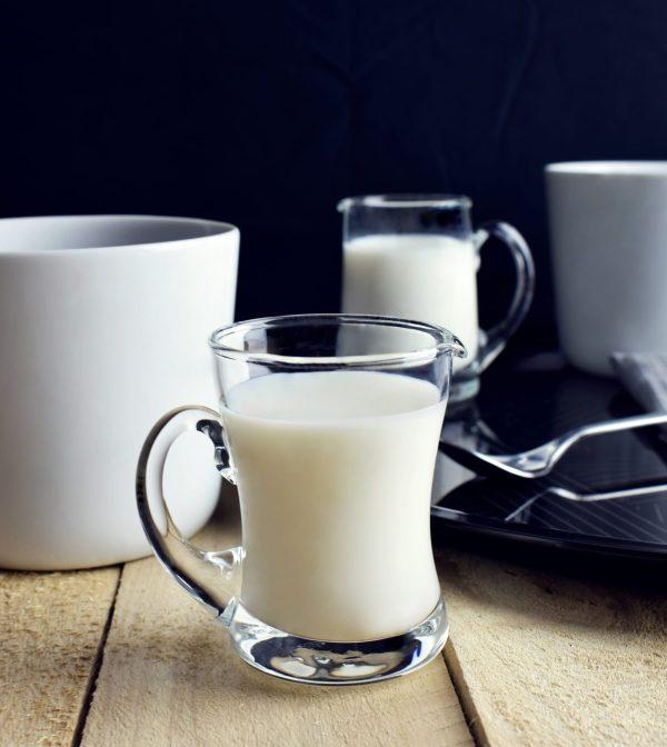 mlecznik do smietanki i mleka szklany